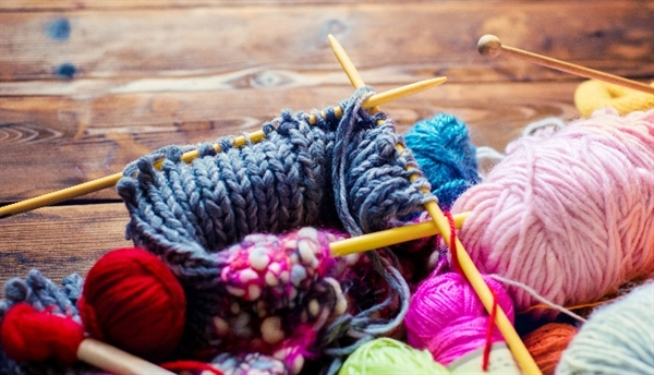 Y93.D1: Activity, knitting and crocheting