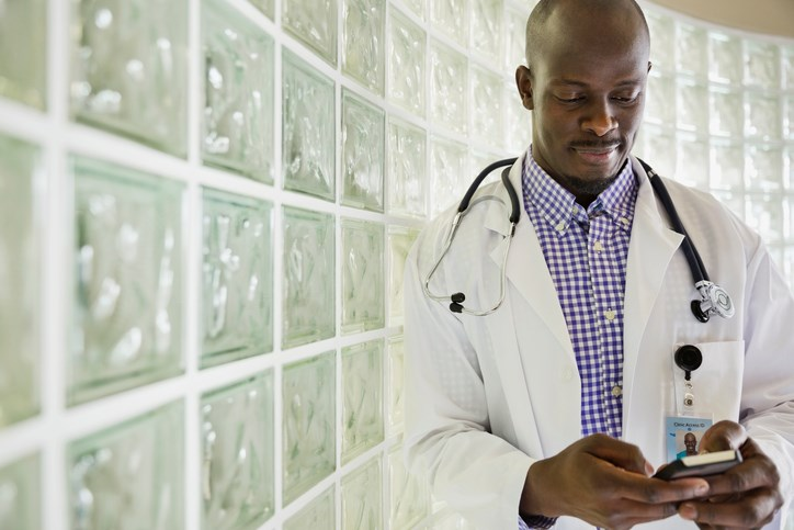 80% of physicians use texting to share clinical information.