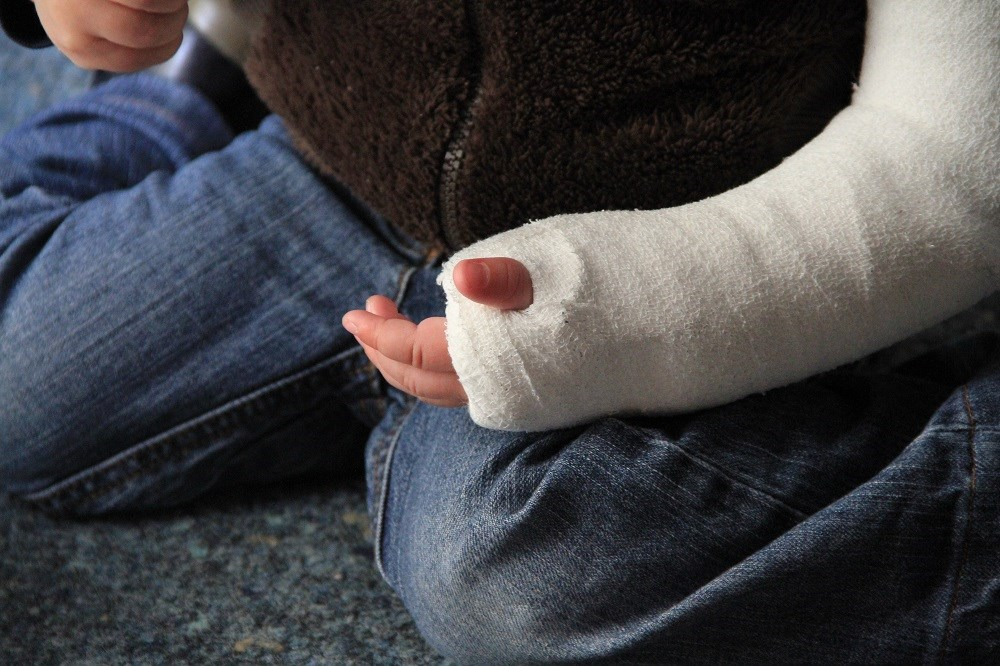 The FSI proved to be at least as effective in predicting fracture risk in children.