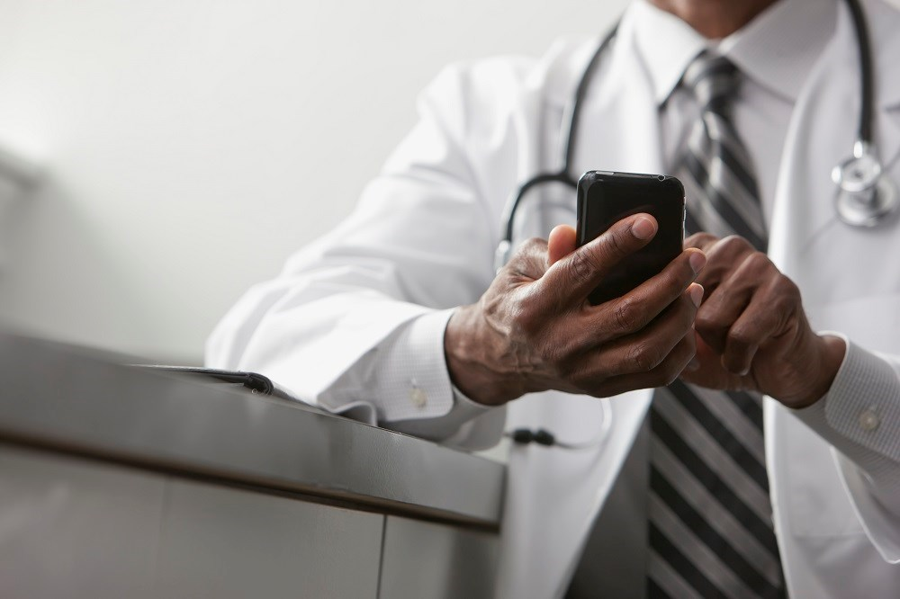 Physicians Tweeting About Drugs May Pose Conflict of Interest