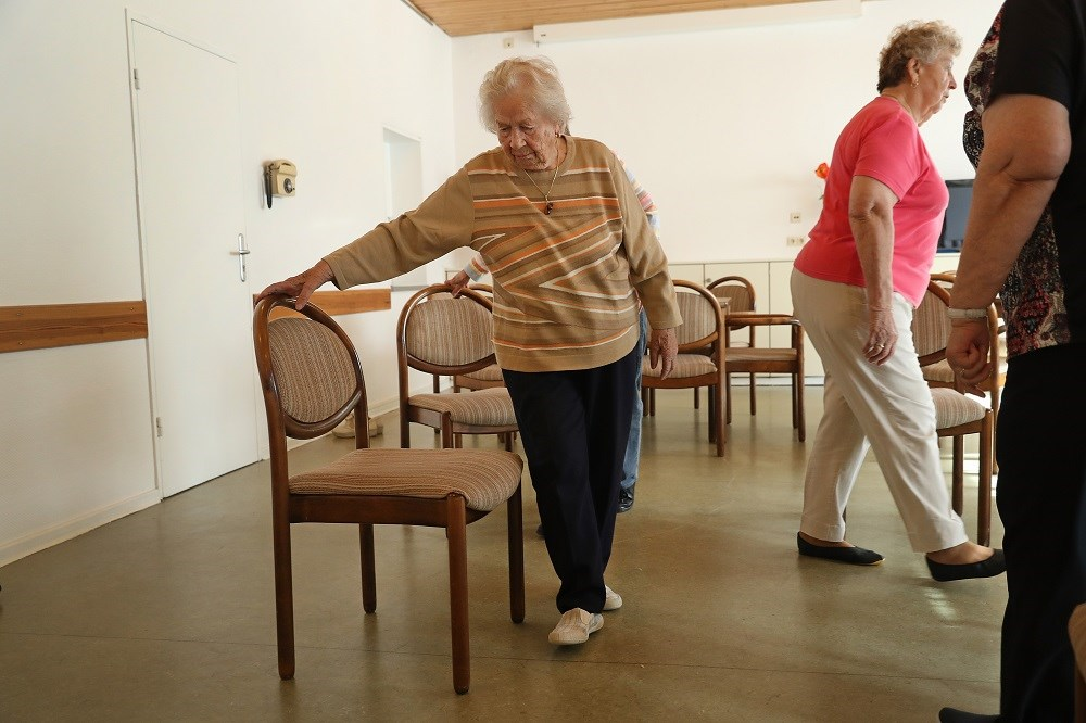 Sensitivity to Physical Activity Predicts Reduced Activity in Older Adults