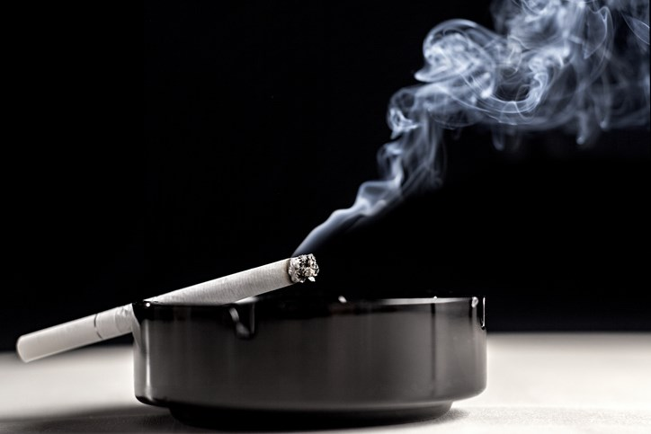 Current smoking status was inversely associated with primary Sjogren syndrome.