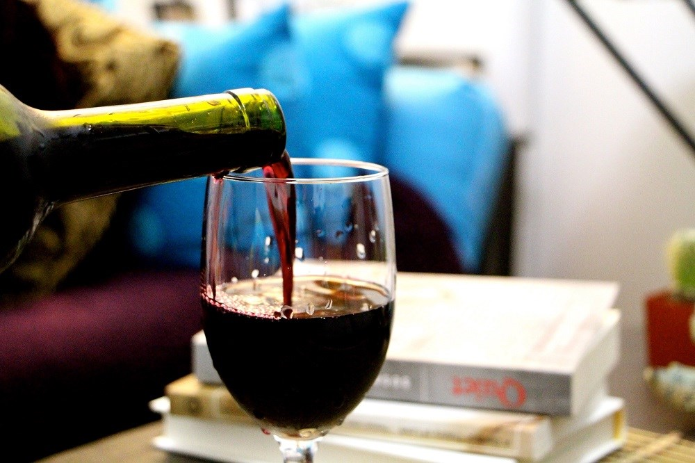 Moderate Alcohol Consumption Linked to Increased Disease Progression for Women With RA