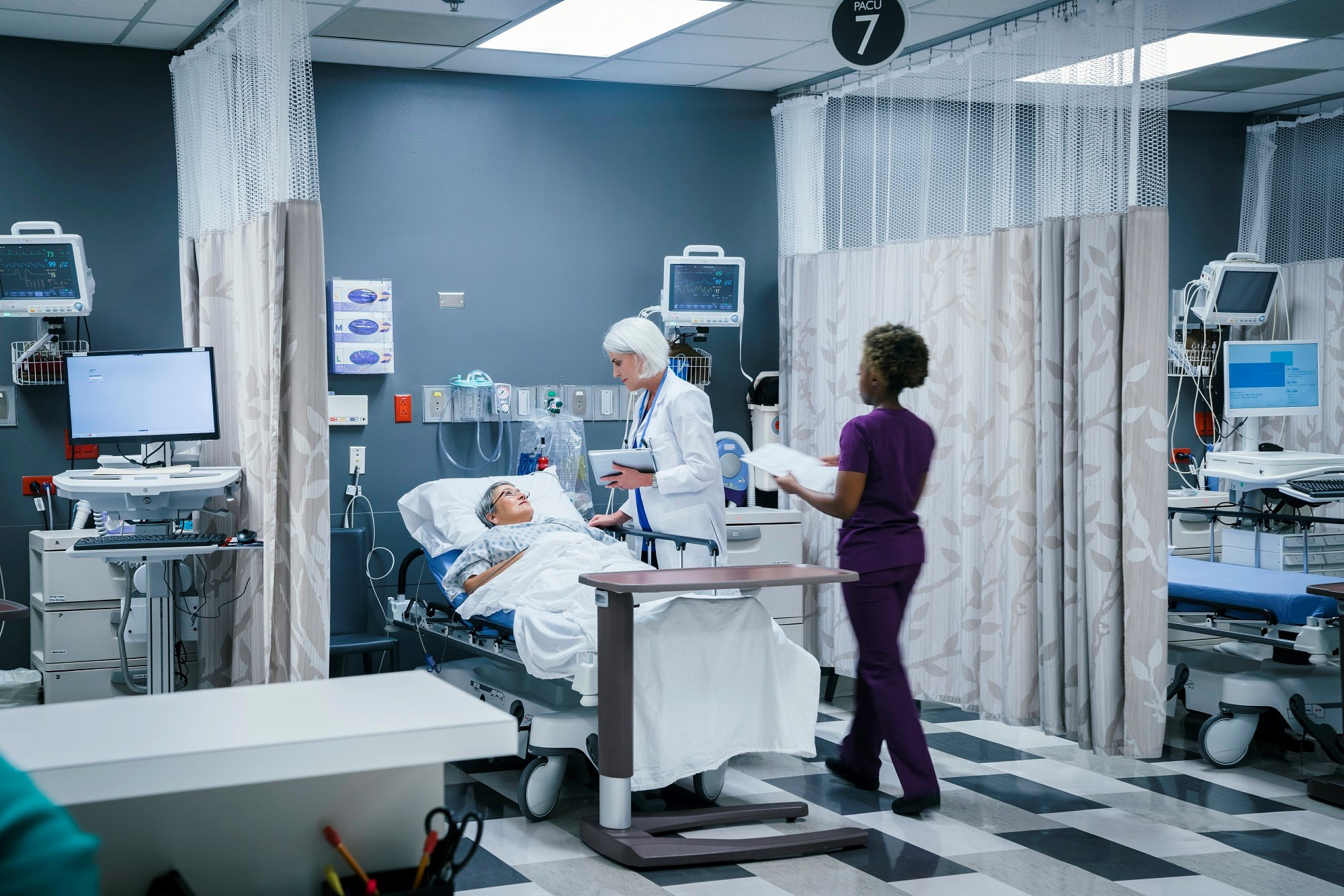 Infectious, Noninfectious Postoperative Complications More Frequent in Patients With SLE