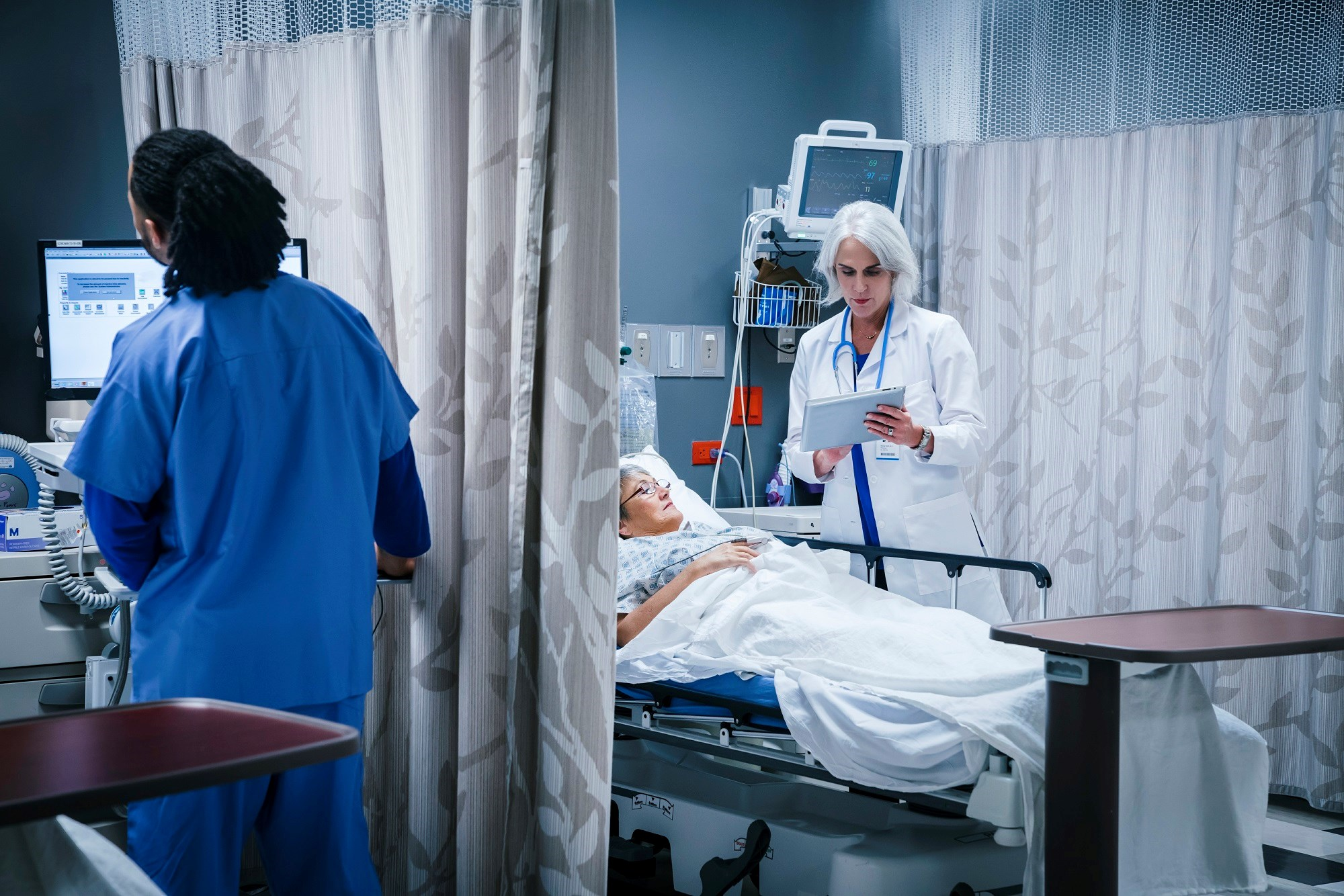 Patients with RA who were hospitalized for stroke did not have an increased risk for in-hospital mortality, pneumonia, UTIs, acute respiratory failure, or the use of mechanical ventilation.