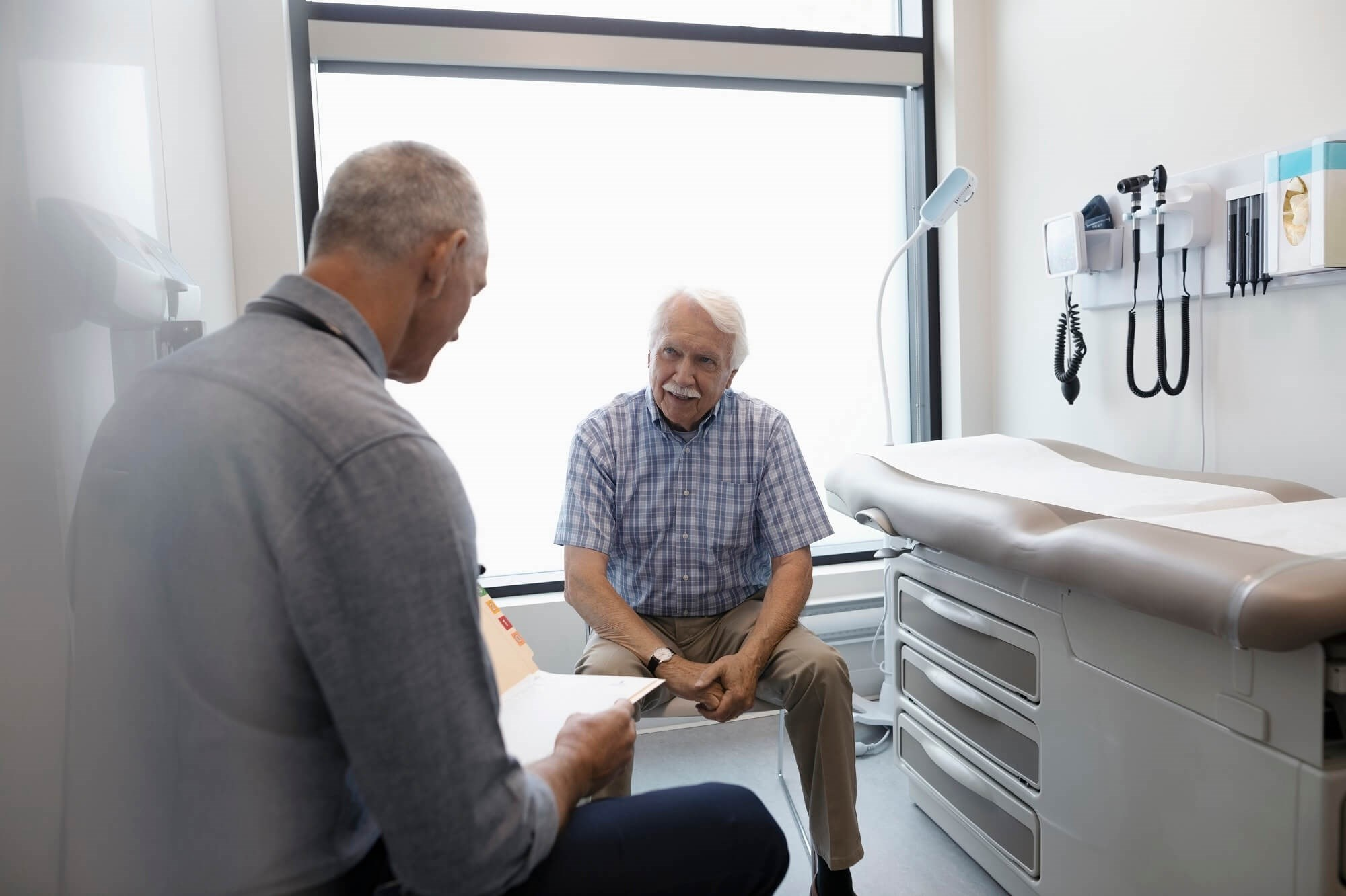 Data suggest that intervention designs studied in randomized controlled trials may not be typically applicable to the elderly population.