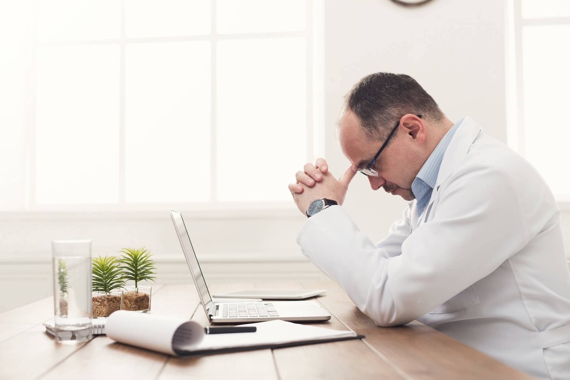 HIT-Related Stress Linked to Burnout Among Physicians