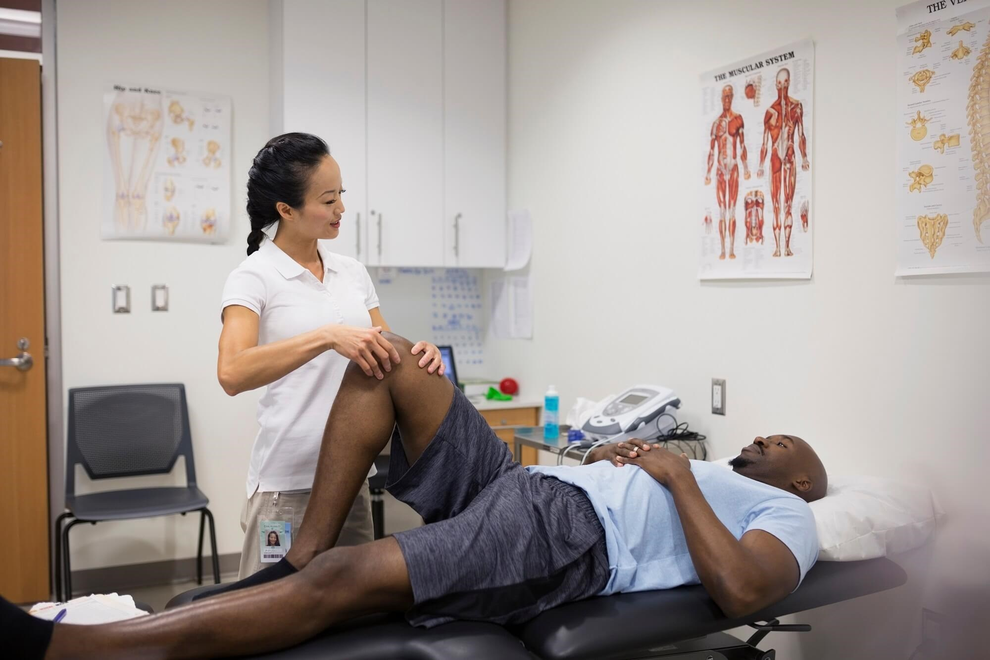 Weekly massage sessions may provide short-term symptom relief for patients with knee osteoarthritis, but the benefit is not maintained over 1 year of follow-up.
